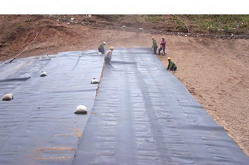 浅谈土工材料膜的铺设和拼接密切关系