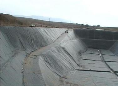 土工膜在油田管道铺设中的作用及特点