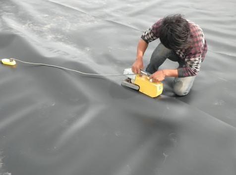 土工膜在沙漠地区的应用优势