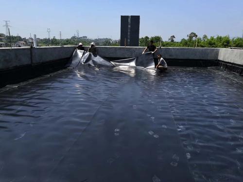 土工膜在垃圾填埋场覆盖施工中的处理