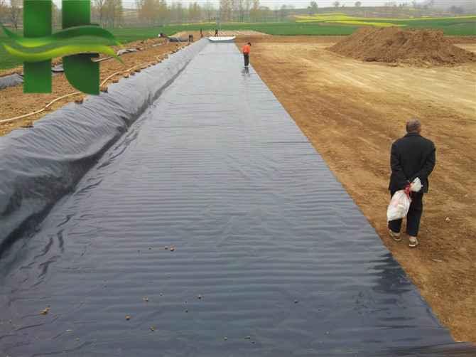 土工膜厂家告诉你HDPE土工膜和排水板的防水隔热功能