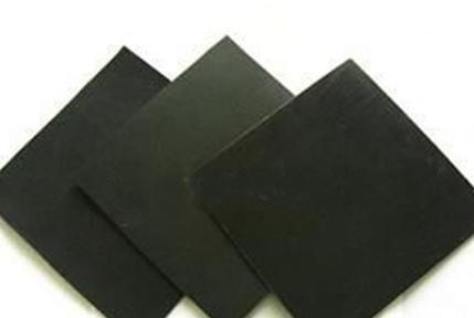 为何土工膜是人工合成材料中最常用的防渗材料