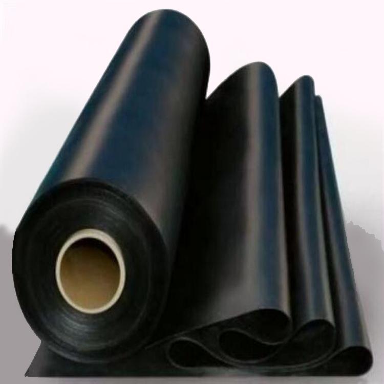 HDPE土工膜的保护层作用