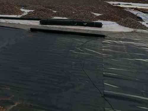 防渗复合土工膜在混凝土工程中的保护与固定