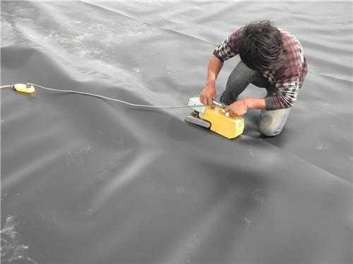 HDPE土工膜在工程中的固定方法