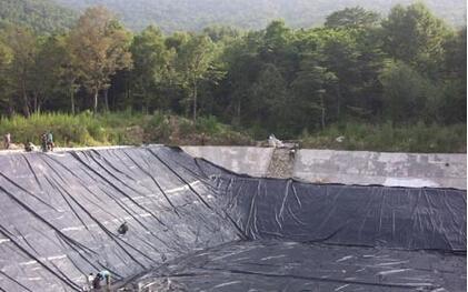 糙面HDPE土工膜与光面HDPE土工膜的区别