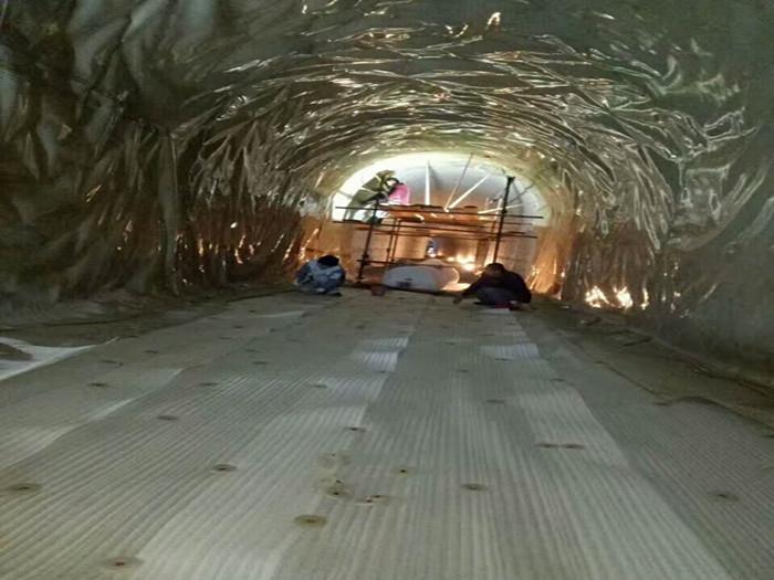 隧道防水板