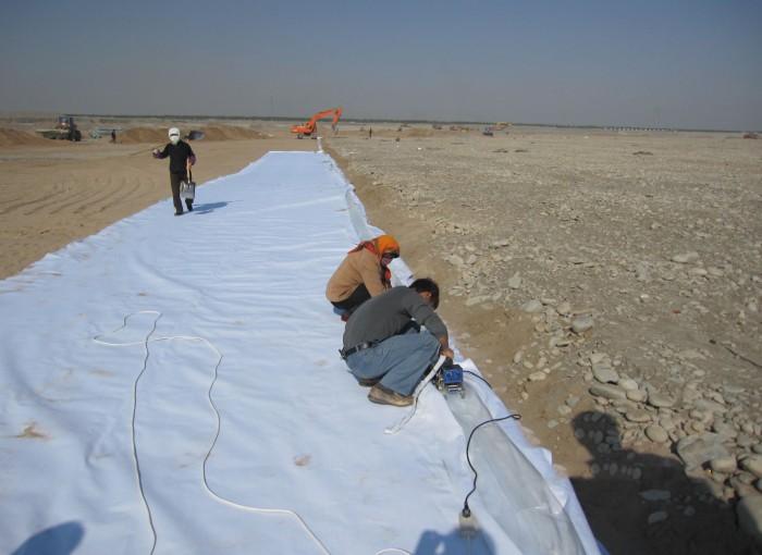 人工湖复合土工膜